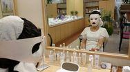今日は初めてマスクを体験中です。